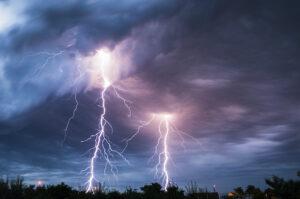 Cómo una tormenta puede afectar su sistema de alarma contra incendios